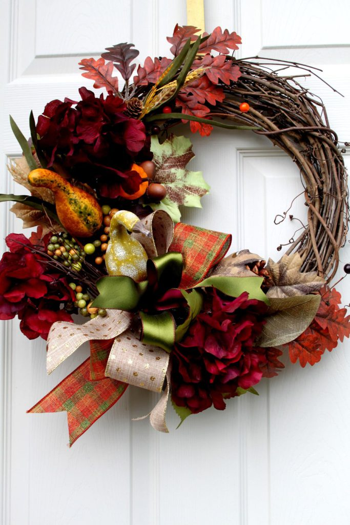 Beautiful Outdoor Artificial Fall Wreaths For The Front Door Autumn Colors You Ll Love Decorating Ideas And Accessories For The Home Creative Ideas For Every Room