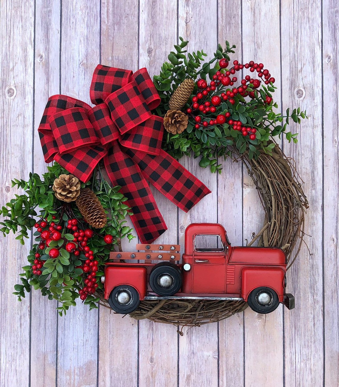 Rustic Farmhouse Style Christmas Wreath Ideas For The Front Door Unique Styles Decorating Ideas And Accessories For The Home Creative Ideas For Every Room